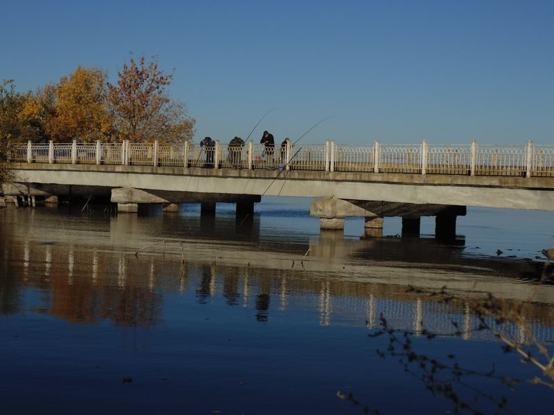 рыбаки в Первомаевском заливе