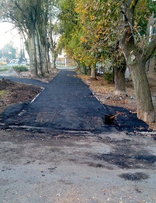 Так выглядит тротуар на Иванова   Фото: Светлана Бутенко