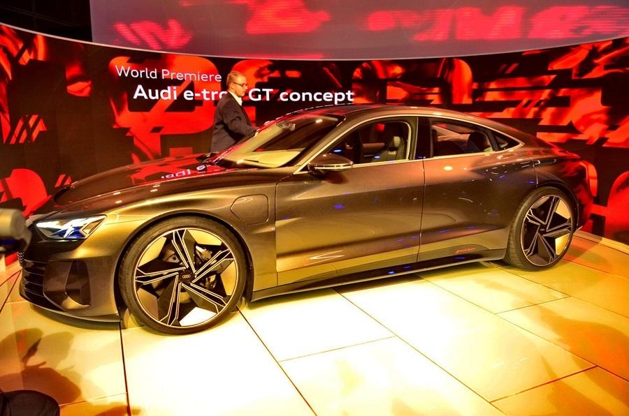Audi представила новый электрокар Audi E-tron GT