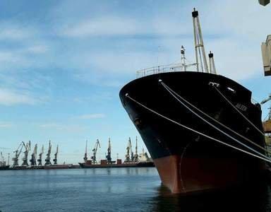 Бердянский порт ожидает 4 судна, которые стоят в Керченском проливе, одно из них - стоит там почти неделю