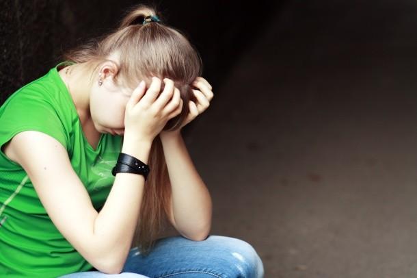 В Запорожской области 14-летняя девочка отравилась портвейном