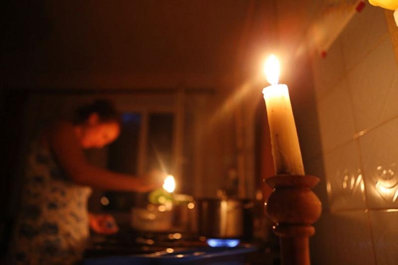 В Запорожской области 2 общежития сидят без света из-за долгов
