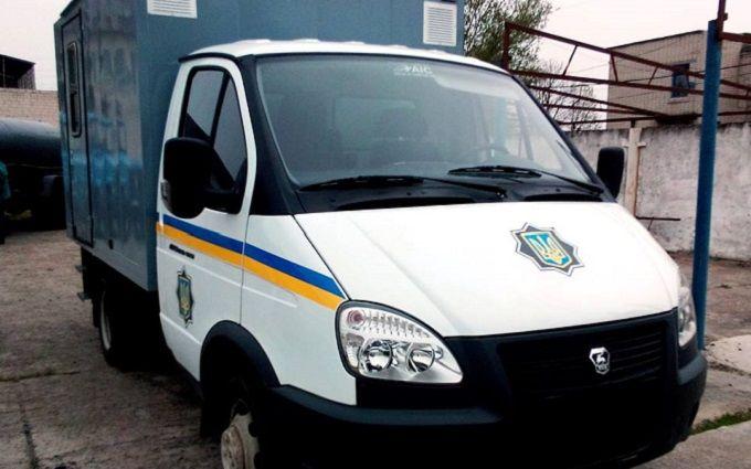 В Запорожской области автомобиль, перевозящий заключенных, попал в ДТП