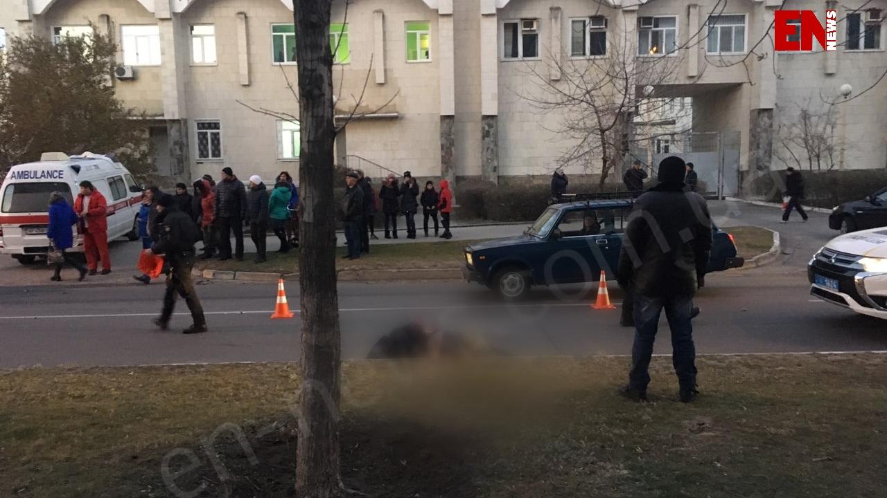 """В Запорожской области водитель """"БМВ"""" сбил насмерть пешехода"""
