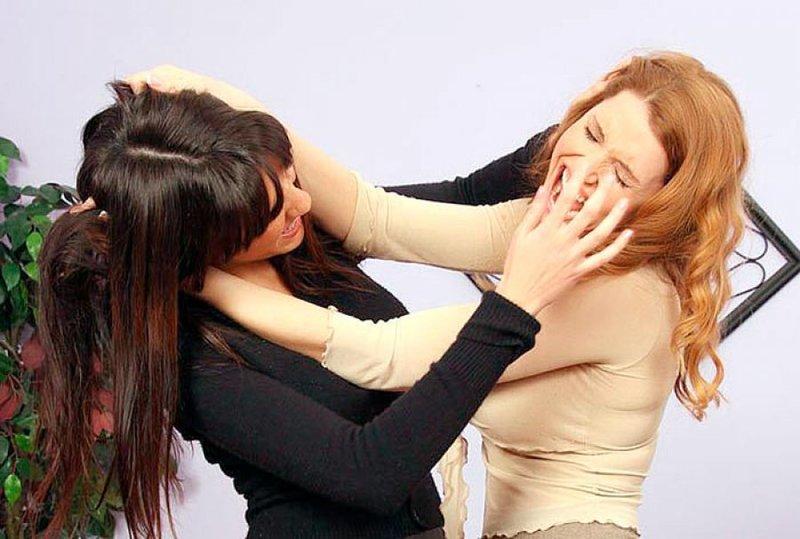 В Запорожской области избитая женщина отказалась судить обидчицу