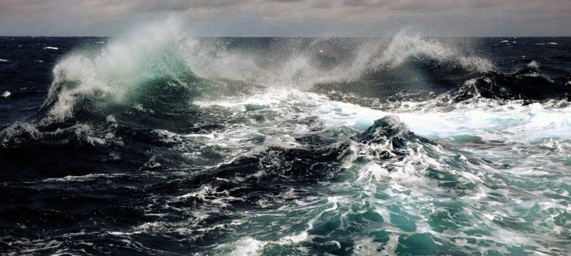 В Запорожской области на Азовском море бушует шторм - видео – Индустриалка