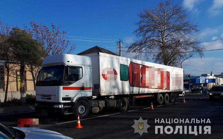 В Запорожской области под колесами фуры погиб пешеход