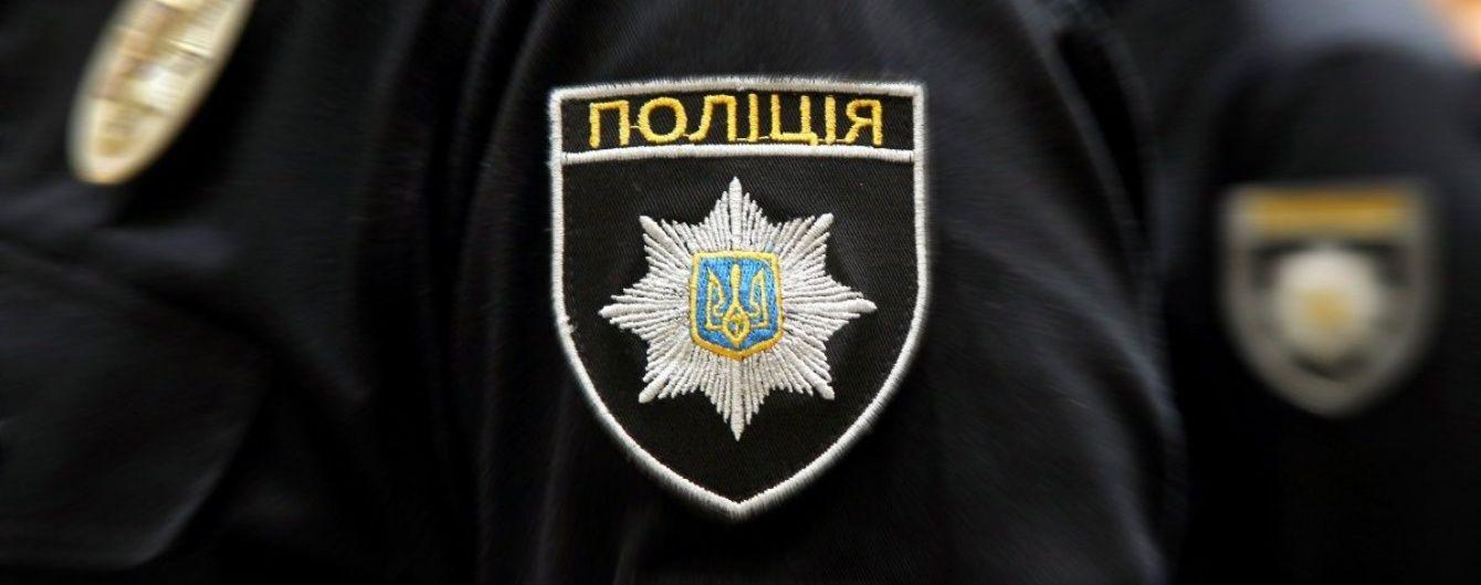 В Запорожье во дворе собственного дома мужчина облил себя бензином и пытался поджечь