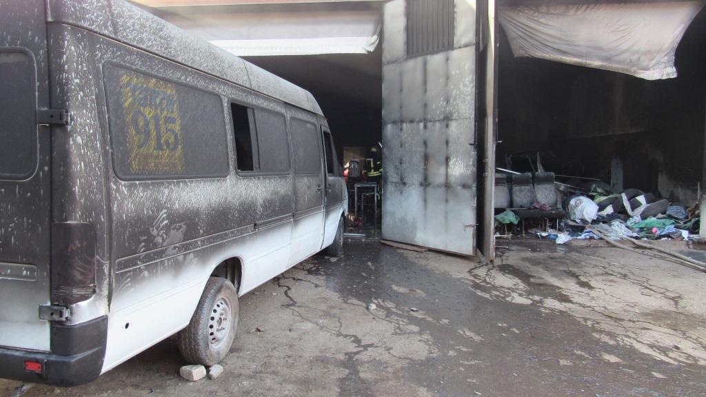 В Запорожье горел гаражный кооператив (ФОТО)