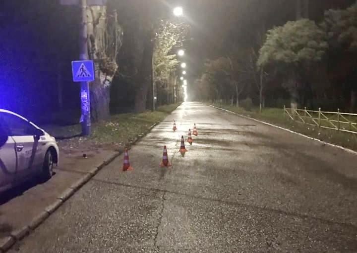 В Запорожье женщина-водитель сбила пешехода и скрылась