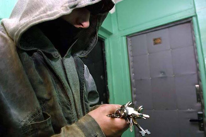 В Запорожье задержали домушников, на чьем счету минимум 5 квартирных краж