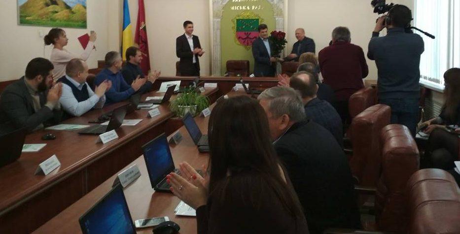 В Запорожье мэра поздравили с годовщиной избрания – Индустриалка
