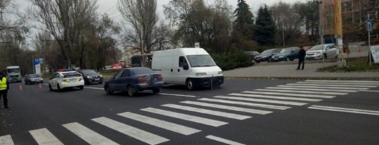 В Запорожье на «зебре» сбили девушку-пешехода, – ФОТО