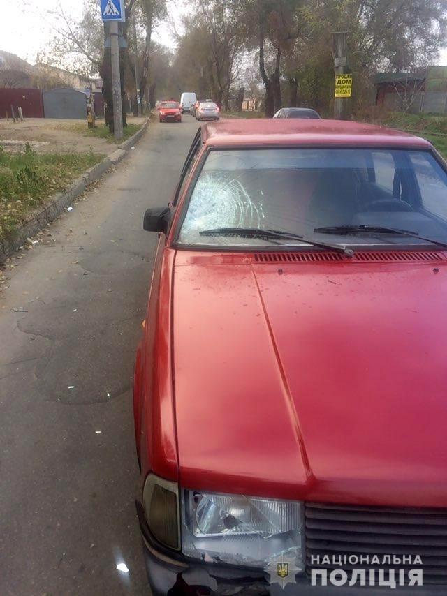 В Запорожье на пешеходном переходе машина сбила подростка, - ФОТО