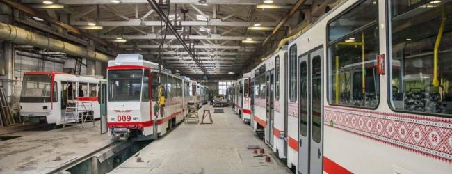 В Запорожье начали работать шесть трамваев, закупленных в странах ЕС