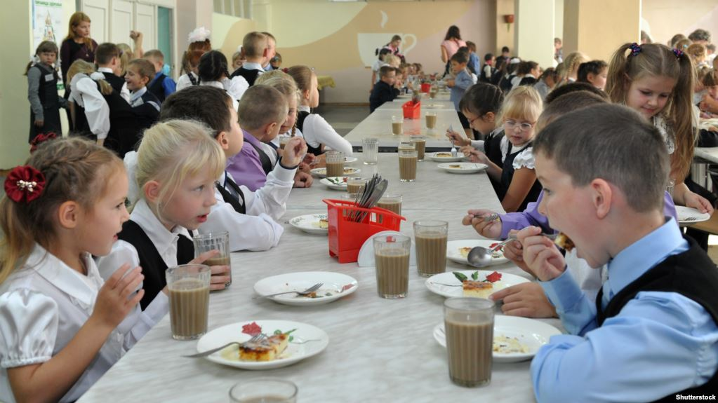 В Запорожье обнародовали список школьников, которые могут бесплатно питаться