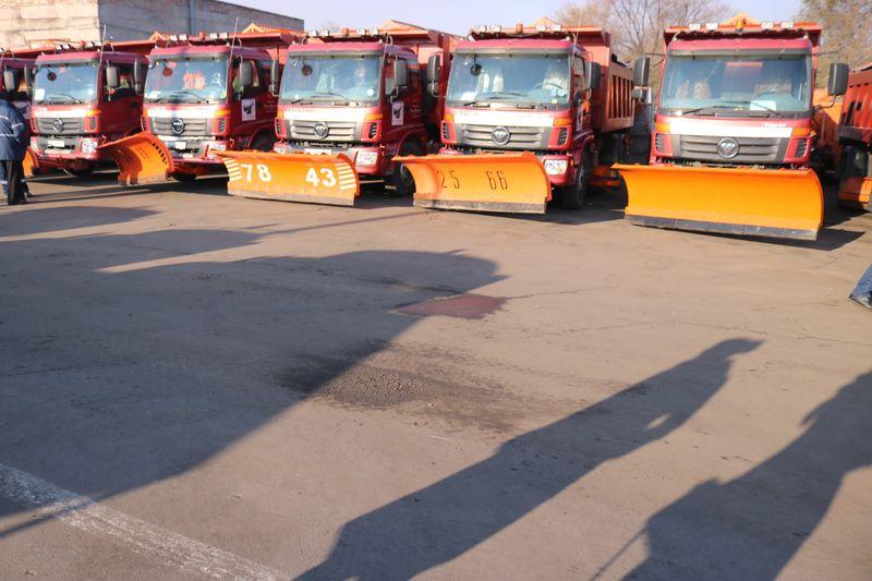 В Запорожье показали ожидающую снегопады и гололёд дорожную технику – Индустриалка