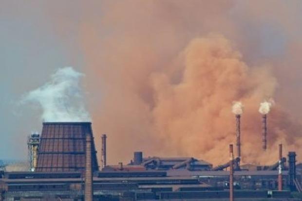 В Запорожье собирают подписи за увольнение главного эколога области
