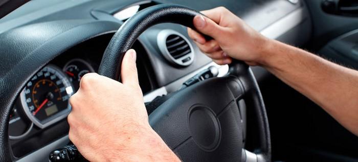 В Запорожье у алиментщиков забирают водительские права прямо на дороге – Индустриалка