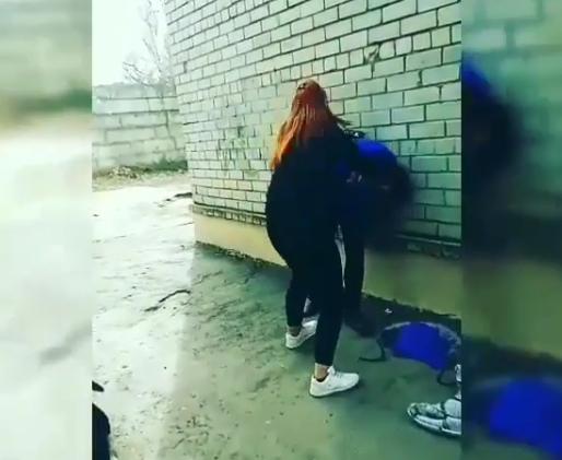 В Запорожье учащаяся ПТУ жестоко избила девушку (Видео)