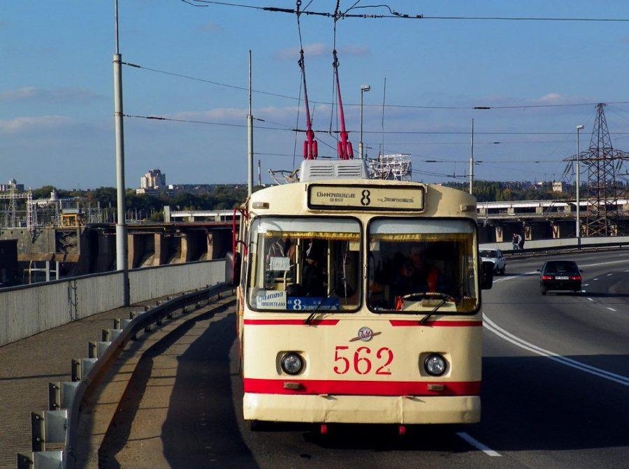 В Запорожье хотят сделать бесплатным проезд в троллейбусах и трамваях