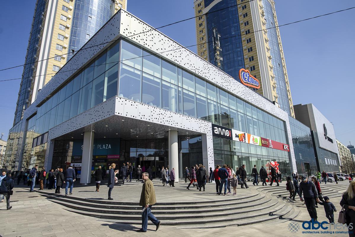В киевском ТРЦ обнаружили разлагающийся труп мужчины