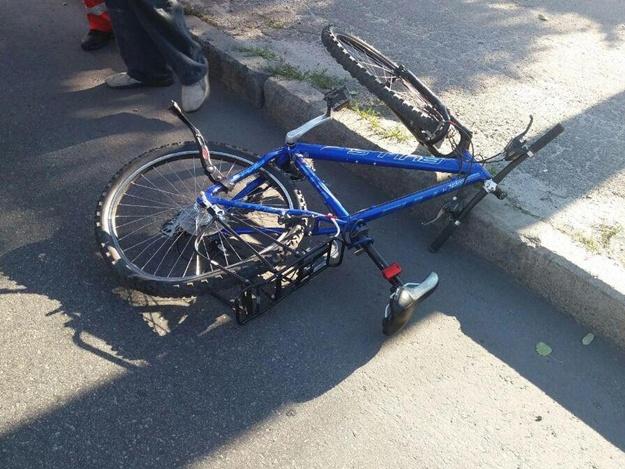 В центре города маршрутка сбила велосипедиста: водитель оказался под метадоном