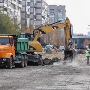 В центре Запорожья строят новую аллею (ФОТО) - 16.11.2018, 10:29