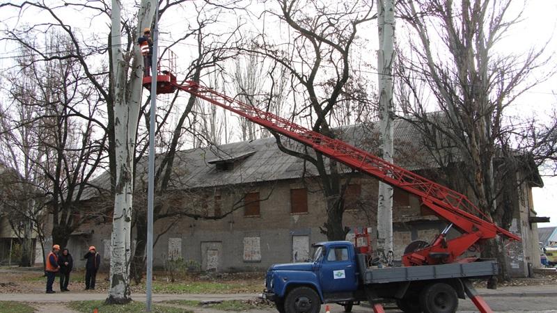 В Шевченковском районе Запорожья заменили 93 уличных светильника и более 3 км сетей