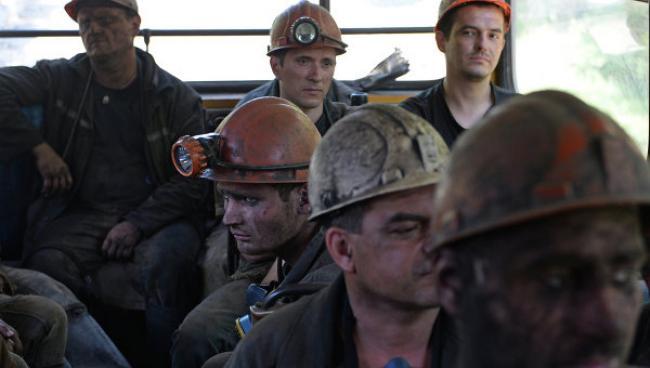 Вместо зарплат вывезли в лес и заставили рыть могилы: чем закончился протест горняков в ЛНР (Фото)