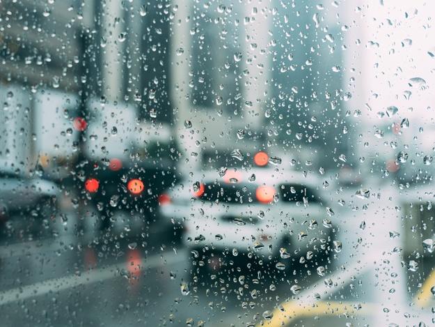 Возьми зонтик: какая погода ждет запорожцев завтра