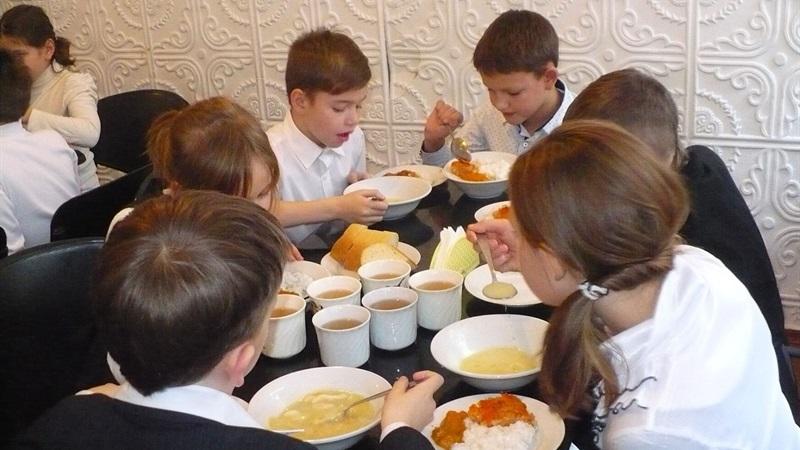 Горячее питание за счет бюджета города будут получать все дети, которые в этом нуждаются