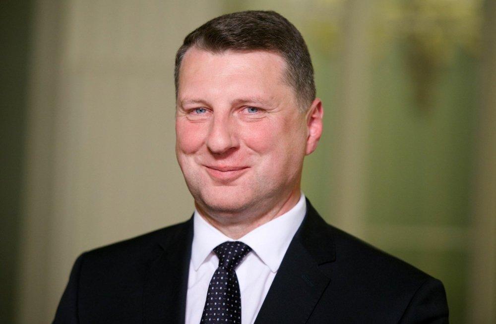 Для Президента Латвии провели экскурсию по ночному Запорожью