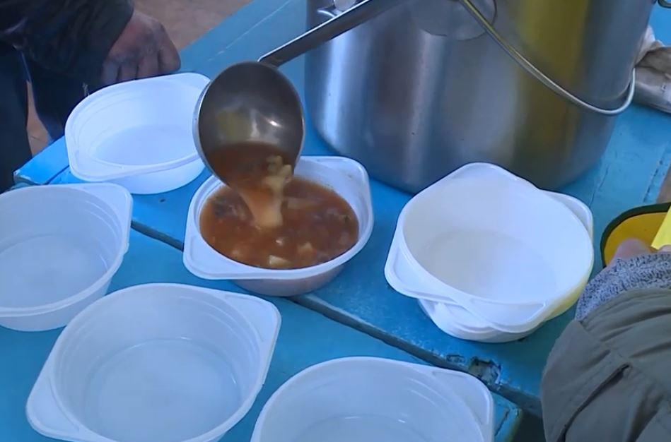 З 1 листопада в Запорожжі та області організовані безкоштовні обіди для безпритульних та малозабезпечених громадян