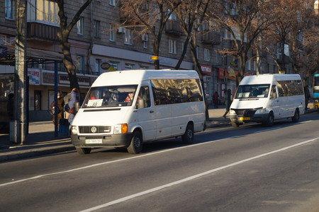 Запорожский горсовет должен будет рассмотреть петицию о понижении тарифов на проезд