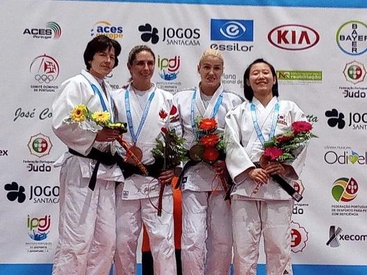 Инна Черняк (вторая справа) - чемпионка мира по дзюдо. Фото: ukrainejudo.com.