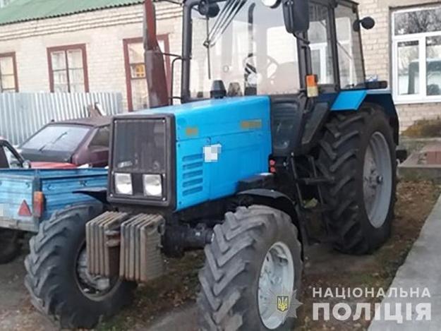 История с хэппи-эндом: запорожские полицейские нашли трактор, который угнали больше года назад