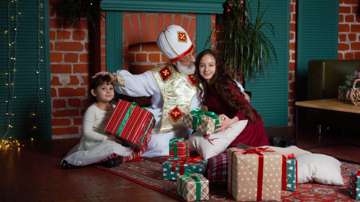 Как отличить Святого Николая от Деда Мороза