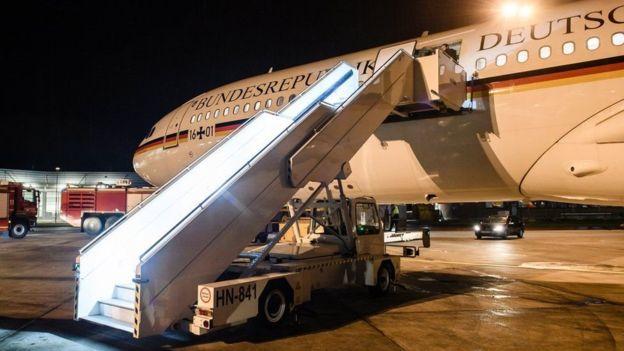 Канцлер Германии пропустит начало «G-20» из-за экстренной посадки самолета