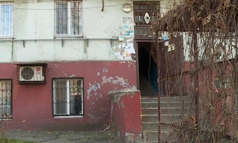 Конфлікт та бійка: через хазяйку однієї квартири запорізька багатоповерхувка досі без опалення