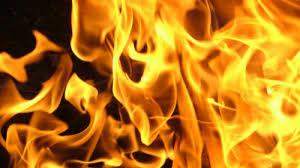 Масштабный пожар в мелитопольской многоэтажке: эвакуировали 12 человек