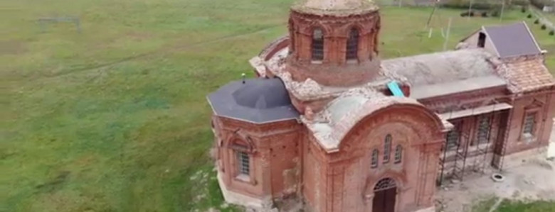 Мелитопольцы показали, как выглядит с высоты птичьего полета столетний храм в Тихоновке, - ВИДЕО