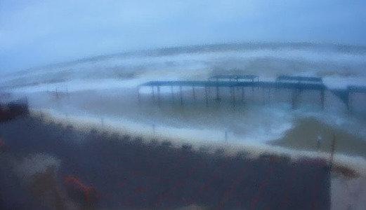 На запорожском курортешторм: базы отдыха стоят в воде, - ВИДЕО