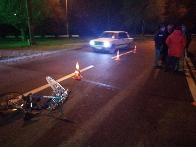 На Павло-Кичкасе легковушка сбила велосипедиста: пострадавшего госпитализировали в больницу