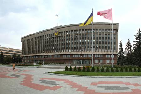 О проверке документов, соцсетях и комендантском времени: глава Запорожской ОГА рассказал о военном положении