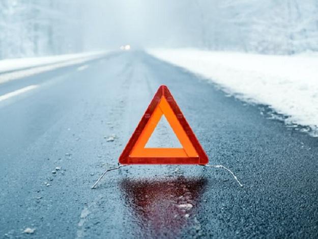 Опасно: за сутки в Запорожье из-за скользких дороги произошло 3 аварии с пострадавшими