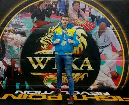 Первокурсник запорожского колледжа стал чемпионом мира по кикбоксингу