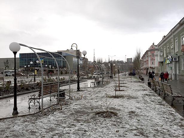 Первый пошел: в Бердянске выпал первый снег