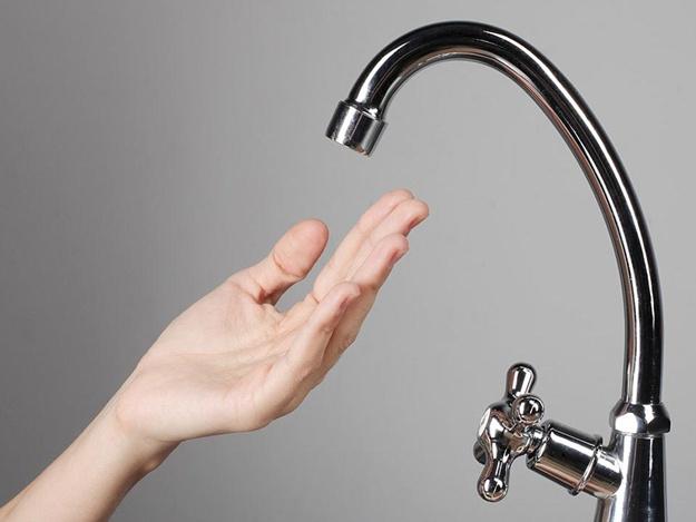 Придется потерпеть: в двух районах Запорожья из-за ремонтных работ отключили воду (список адресов)