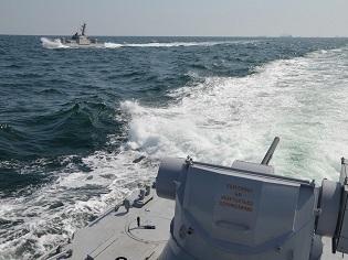 Российский пограничный корабльпротаранил буксир ВМС Украины